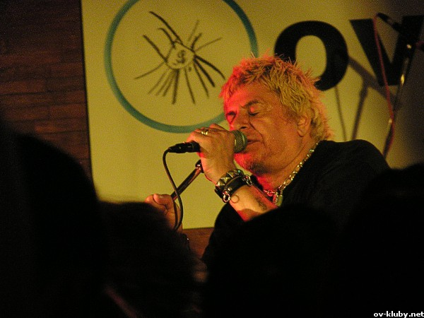 UK Subs (UK), The Vibrators (UK), Model 77